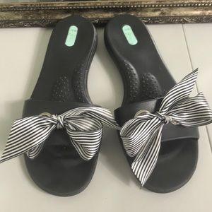48a65dc55 Okabashi jelly sandal Sz L